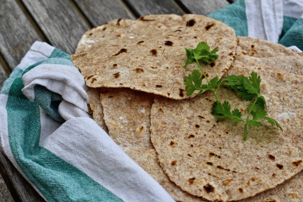 Hjemmelavede chapati med fuldkorn